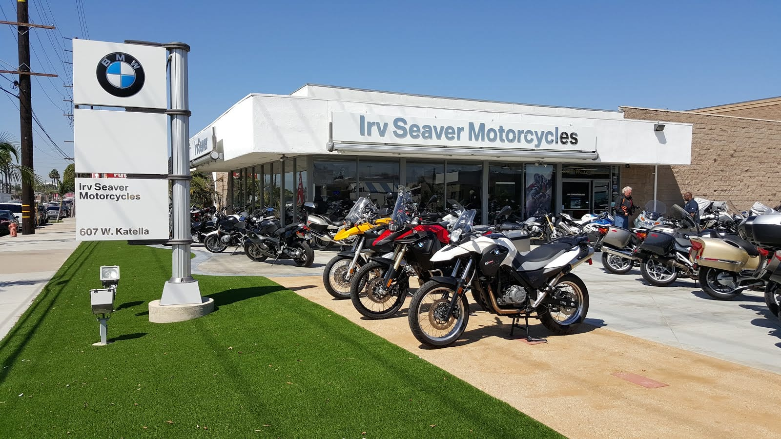 Brazen Heist of Two BMW bikes from Irv Seaver