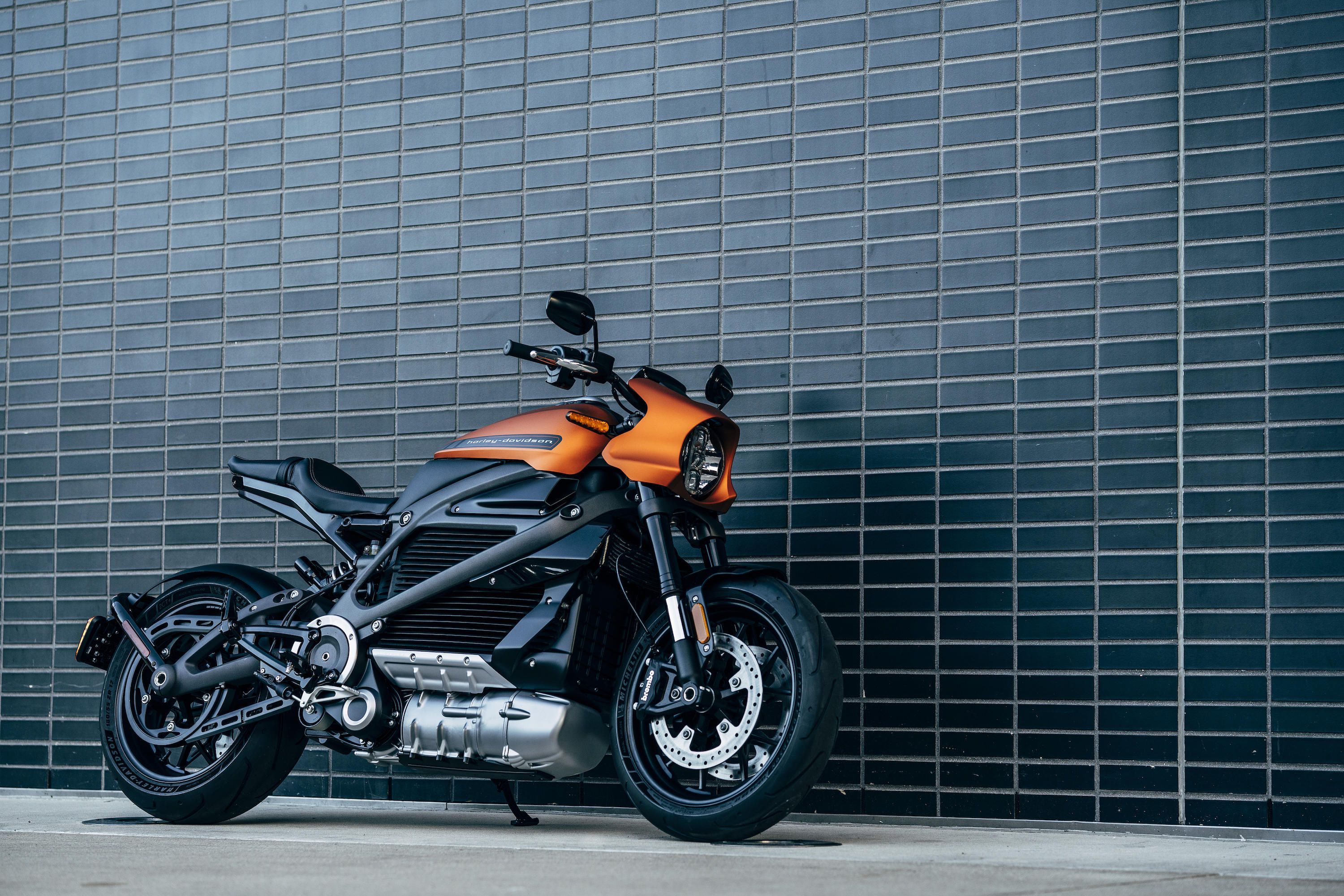 Harley-Davidson LiveWire Production Electric Bike Unveiled in Italy